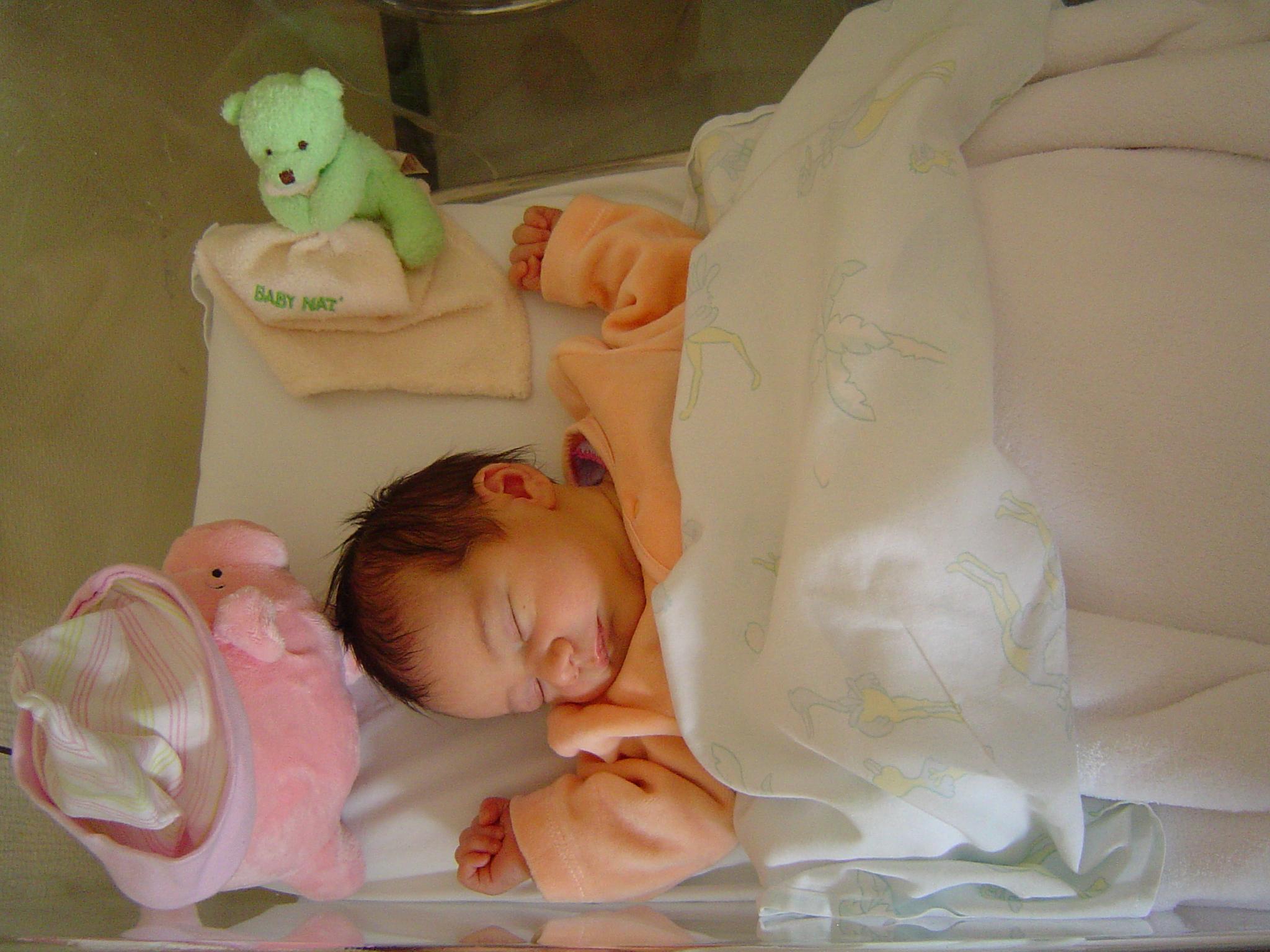 dans mon lit à la maternité